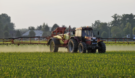 tractor spraying_275_159
